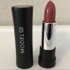New Model Co Luxe Creme Long Wear Lipstick